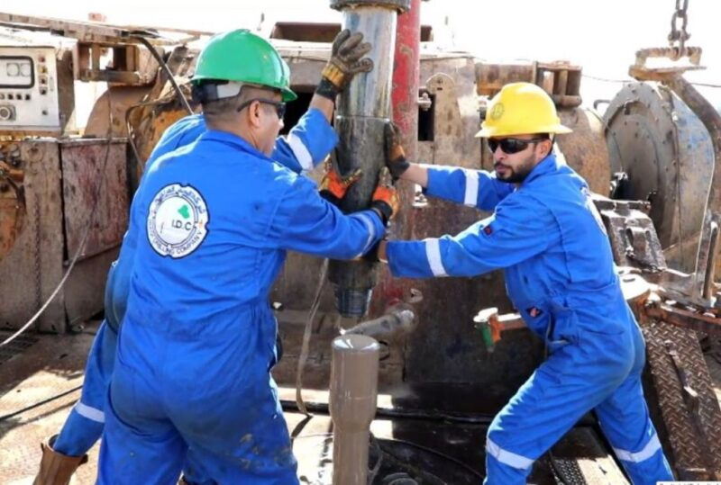 Workers at an Iraqi Drilling Company site