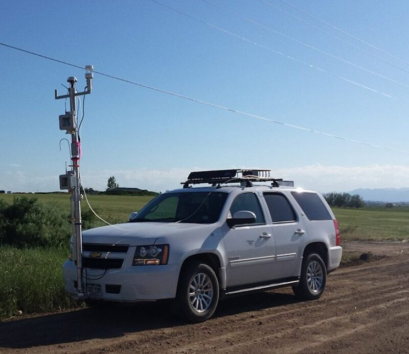 Vehicle equipped with air quality tracking equipment