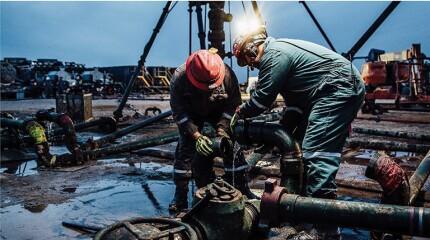 Pressure pump with human operators