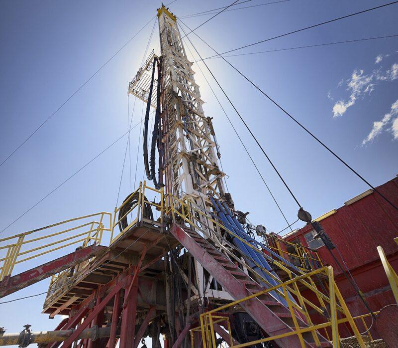 jpt-2017-04-shaleproduction-hero.jpg