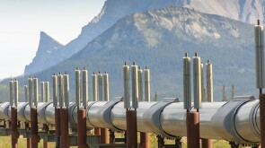 Trans-Alaska Pipeline System with mountains