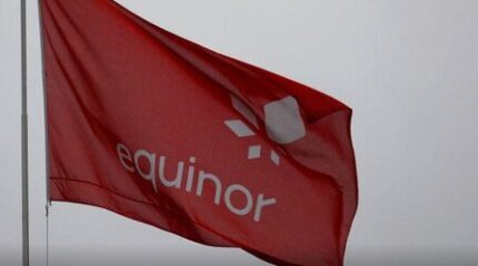 Image of an Equinor flag.