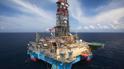 Maersk Discoverer rig.